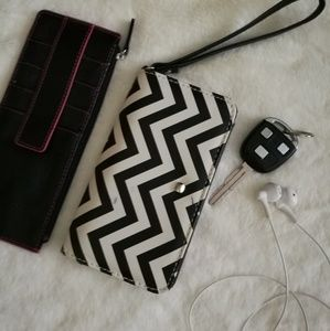 Wallet and wristlet